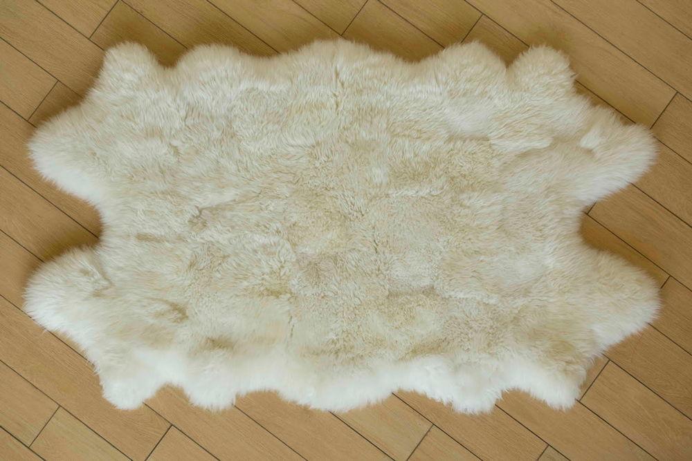 Овчина на полу