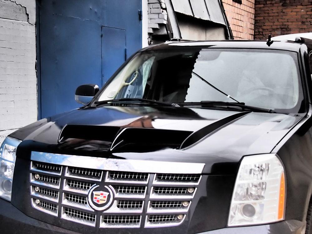 Cadillac Escalade черного цвета