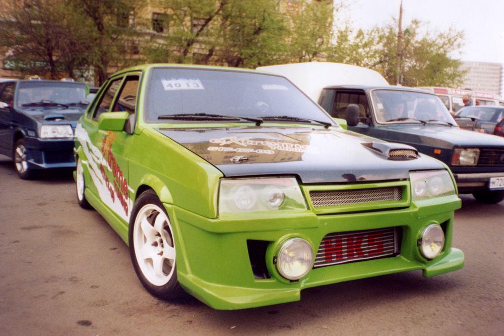 ВАЗ 2108 зеленого цвета тюнинг