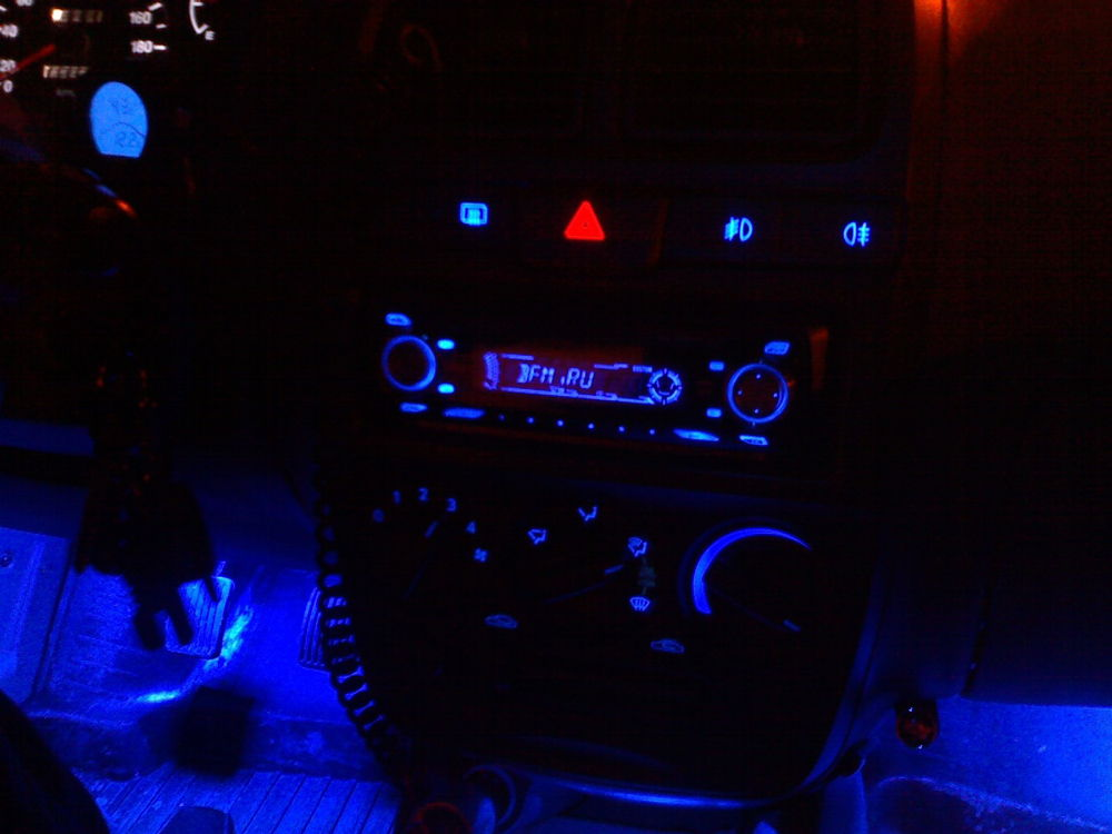 Как сделать подсветку при открытии дверей автомобиля