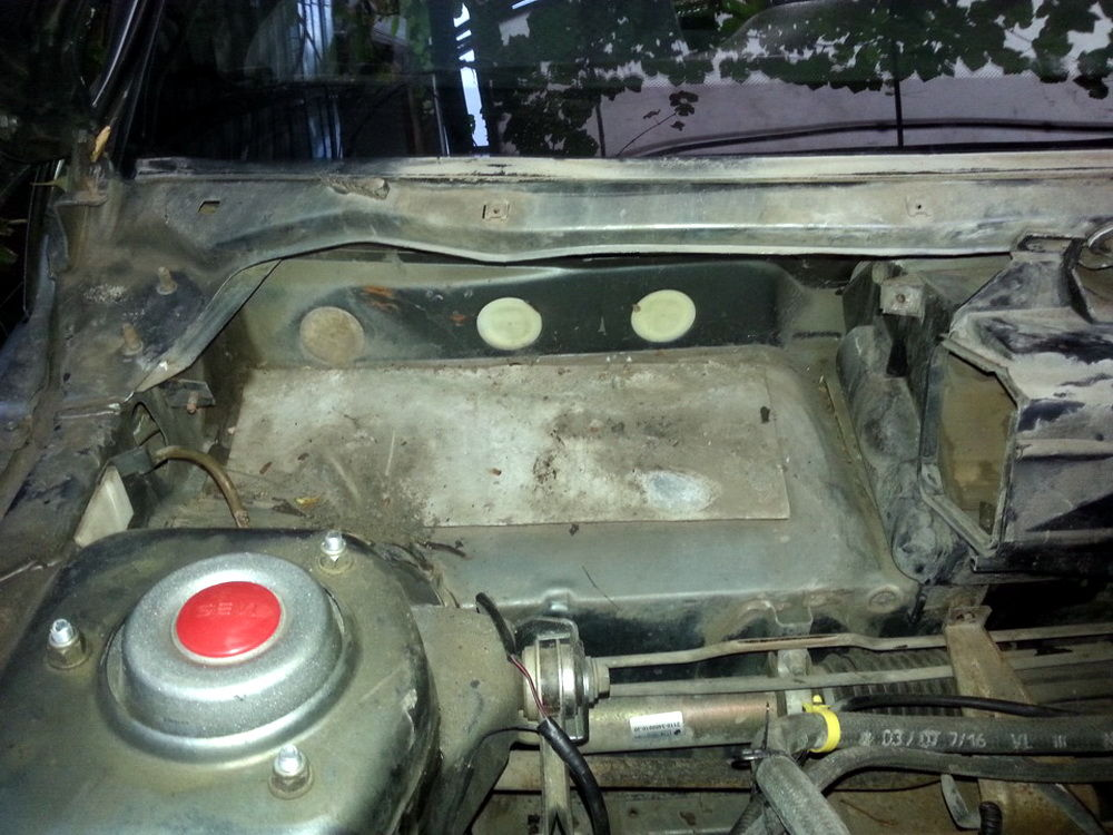 Zamena-radiatora-pechkiVAZ-2112-2.jpg