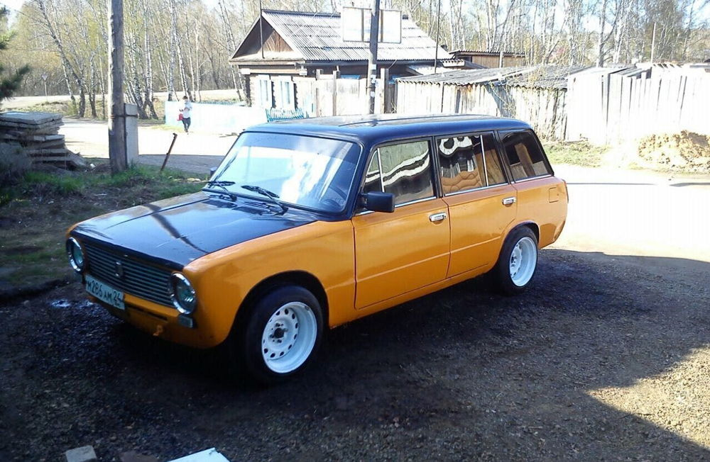Тюнингованный ВАЗ-2102