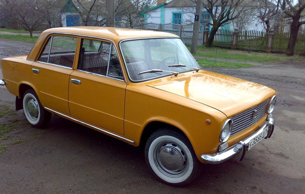 ВАЗ-2101 желтого цвета