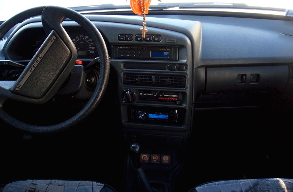 Салон автомобиля ВАЗ-2115