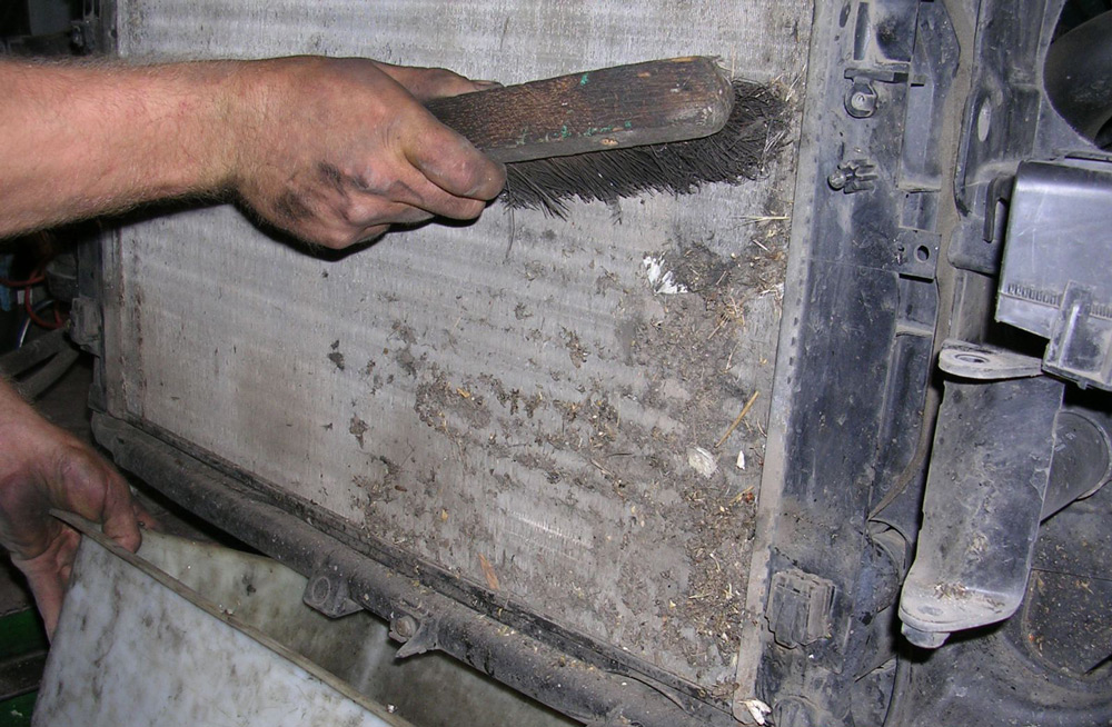 Чистка радиатора печки