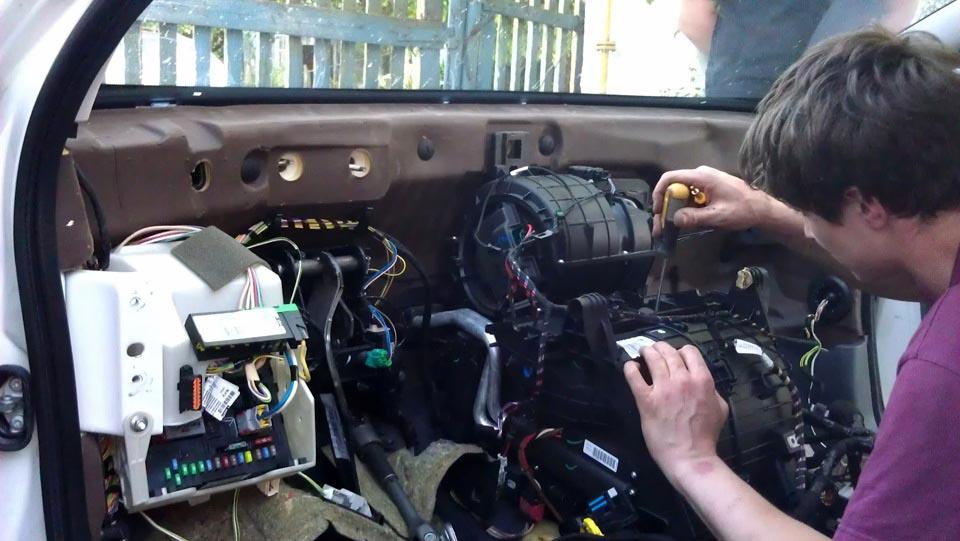Ремонт печки Citroen C5