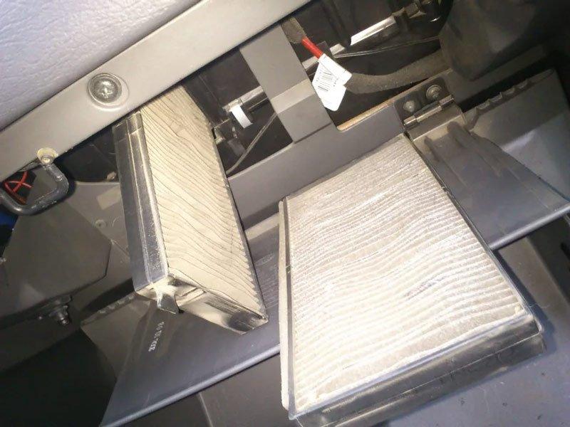 Салонный фильтр на Kia Spectra