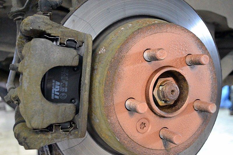 Тормозные колодки и диски Land Rover Freelander 2