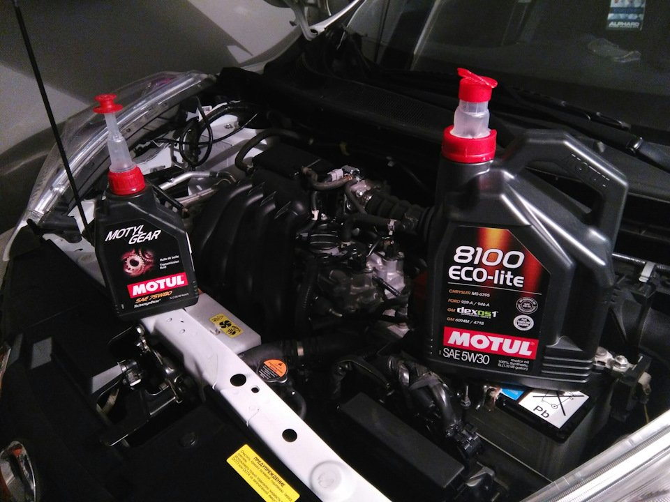 Масло для автомобиля Nissan Juke