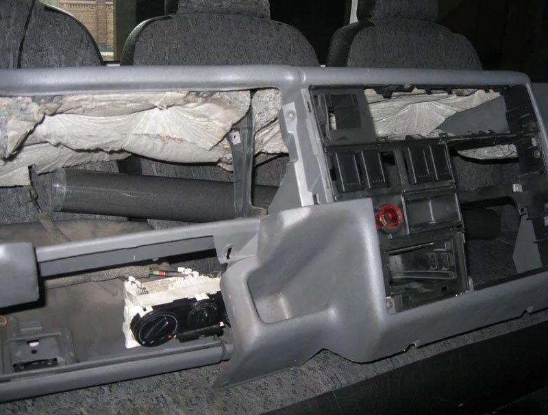 Демонтаж торпедо Volkswagen T4