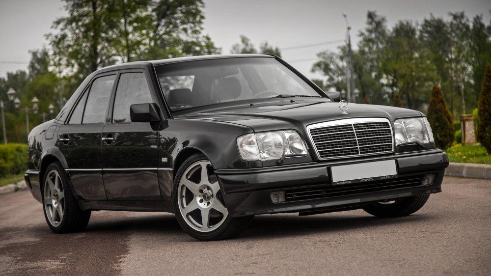 Автомобиль Mercedes 124