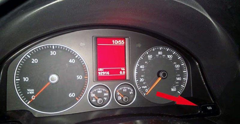 Панель приборов машины Volkswagen Jetta