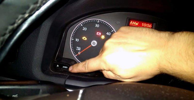 Панель приборов авто Volkswagen Jetta