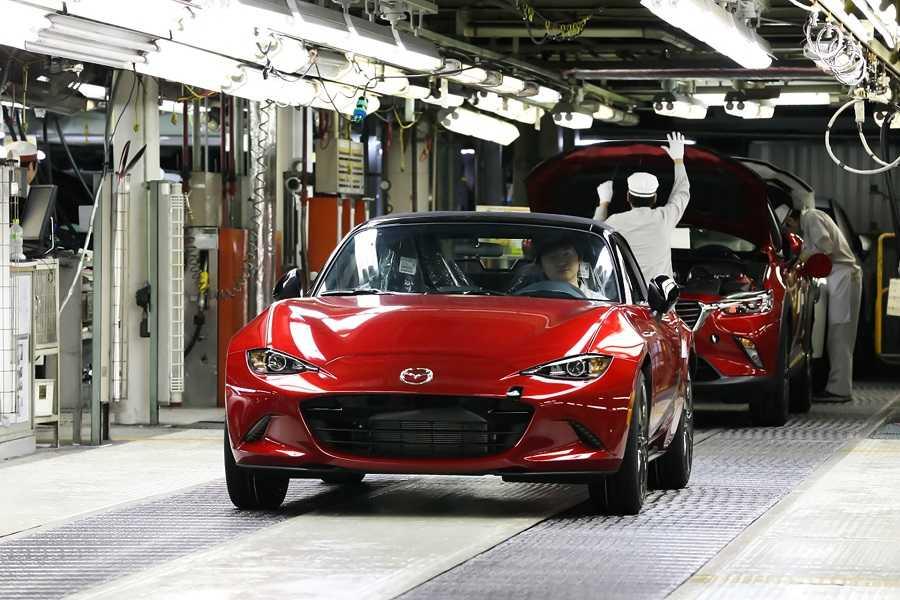Mazda на техобслуживании