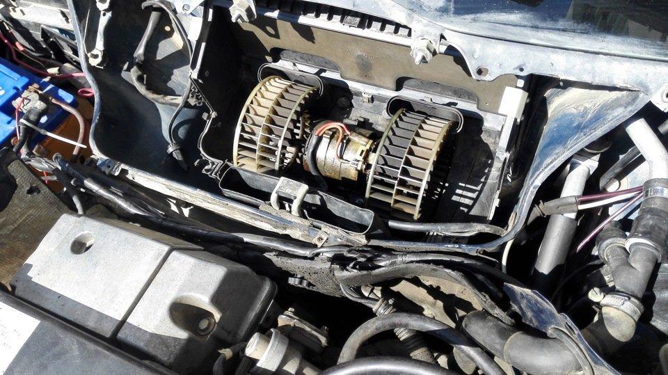 Мотор печки Mercedes 124