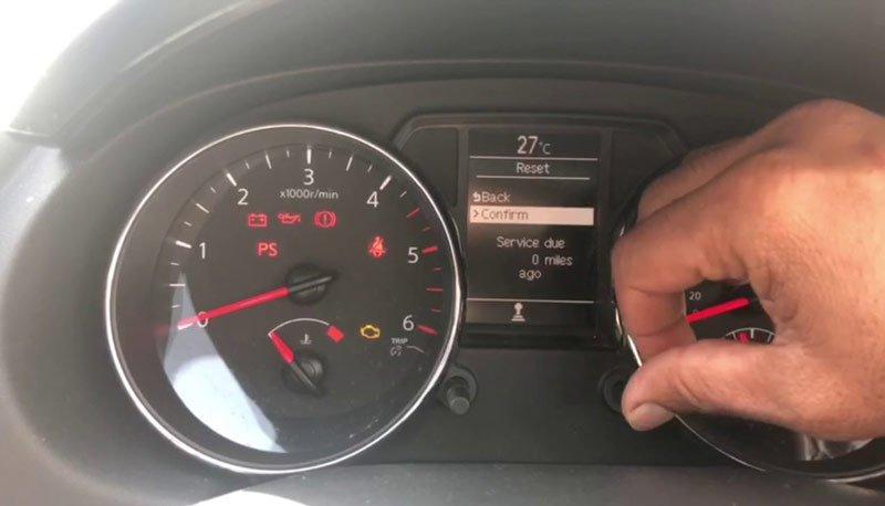 Как удалить ошибку горит чек неисправности двигателя кашкай