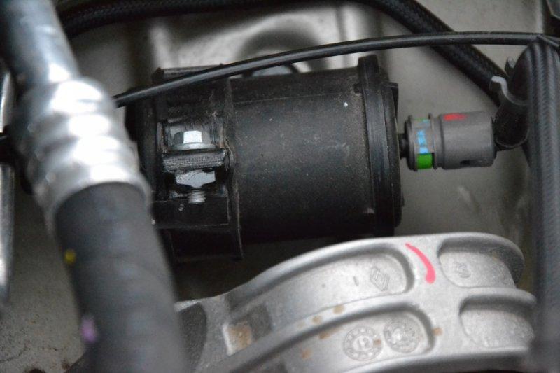 Топливный фильтр на Nissan Terrano