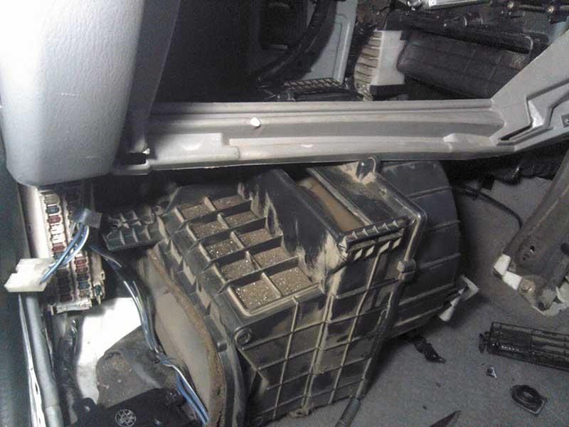 Замена радиатора для Mazda MPV