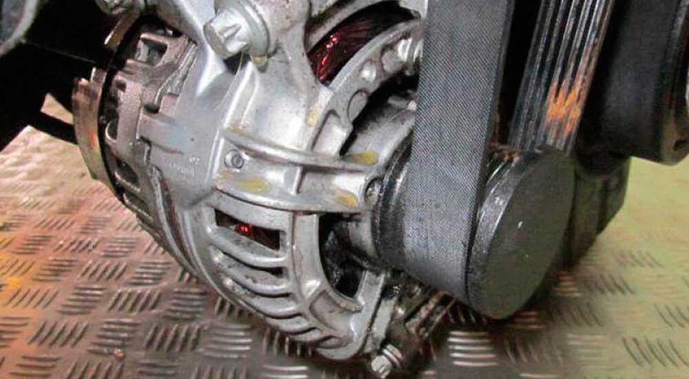 Как самостоятельно заменить и отрегулировать ремень, генератор в Mercedes-Benz Sprinter