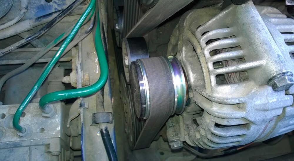 Как заменить генератор и приводной ремень Renault Scenic