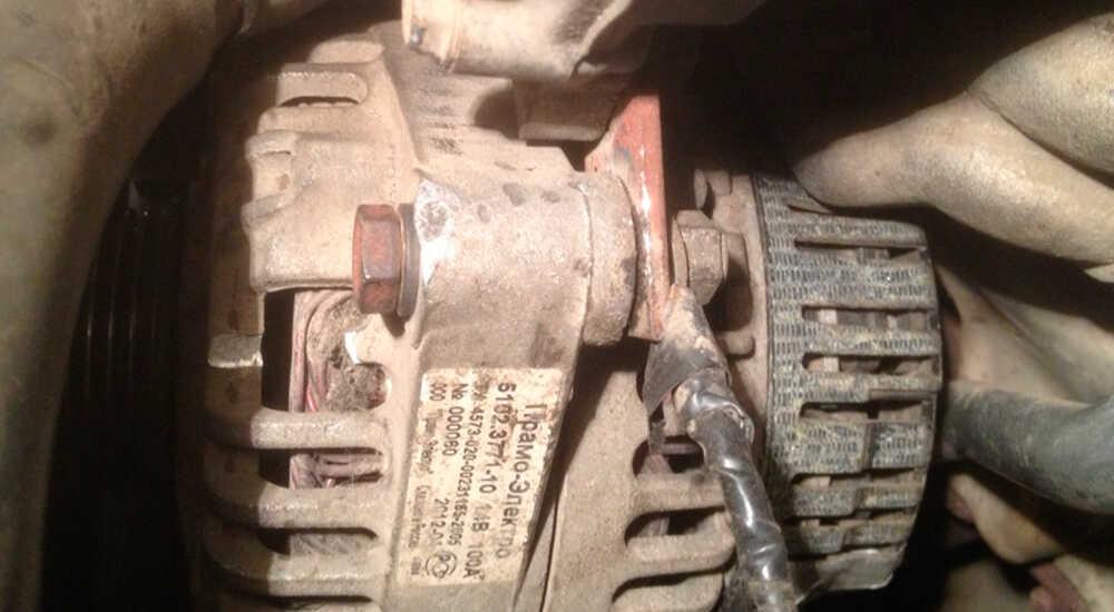 Замена ремня и генератора на Nissan Cefiro