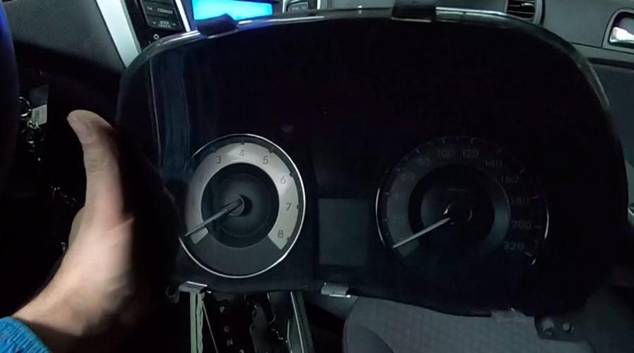 Снятие приборной панели на Hyundai Solaris