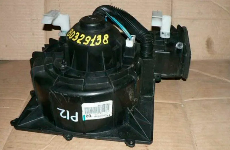 Primera 12 мотор печки