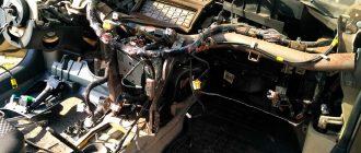 заменить радиатор печки на автомобиле Nissan Primera