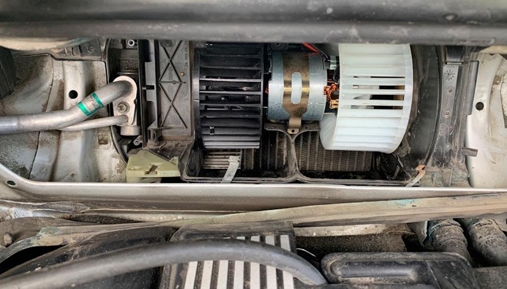 на BMW X3 не работает печка